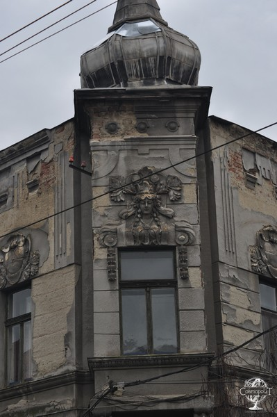 Revolutionary Art Nouveau Tour